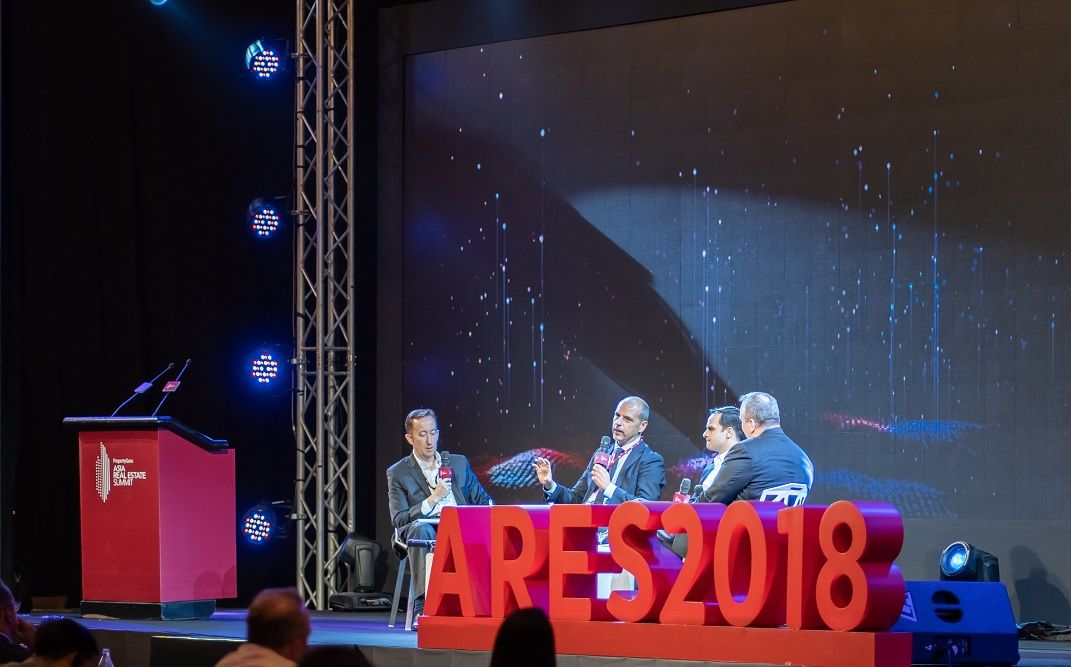 Moderated by BDO Thailand co-managing partner Paul Ashburn, the panel discussion on big data at the PropertyGuru Asia Real Estate Summit 2018 included Dr Okan Geray, strategic planning advisor, Smart Dubai; Anthony Arundell, director, smart cities and sustainability, One Bangkok; and Vikram Kohli, regional managing director, Southeast Asia, CBRE