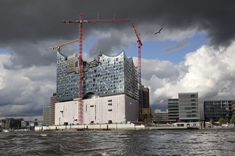 An under-construction building in Hamburg. M&P Gruppe/Wikimedia Commons