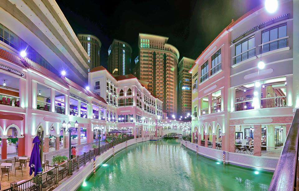 Venice Piazza Mall in McKinley Hill, Taguig. Image credit:Megaworld Corp