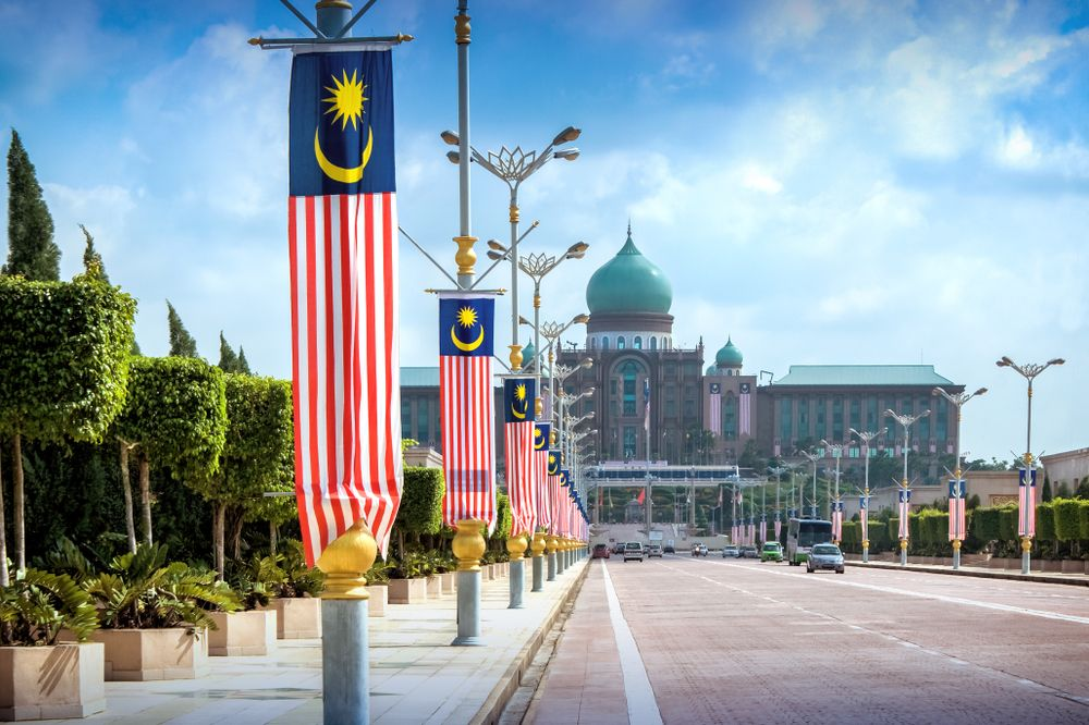 View of the Malaysian Prime Minister's office from the Seri Gemilang Bridge in the planned city of Putrajaya, south of Kuala Lumpur. Rangzen/Shutterstock