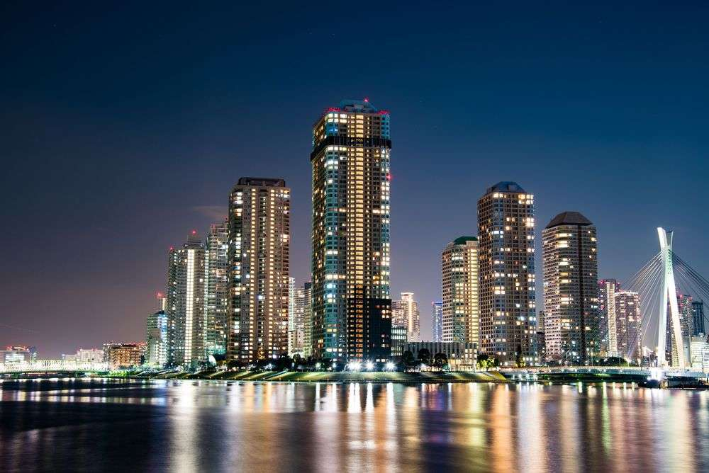 Condos by Sumida River in Tokyo. Hit1912/Shutterstock
