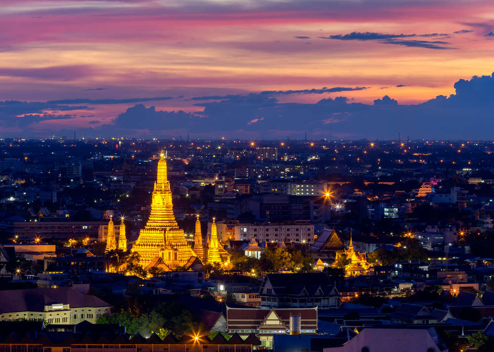 Wat Arun, Temple of Dawn in Bangkok, Thailand. 28 November Studio/Shutterstock