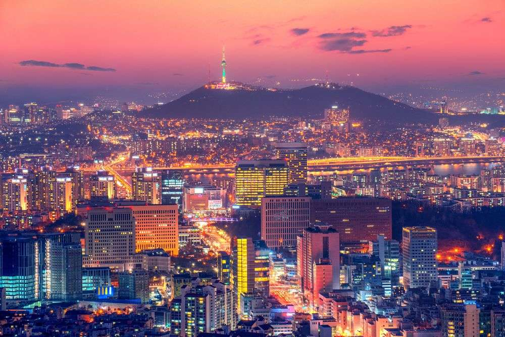 Downtown skyline of Seoul, South Korea. TRAVAL TAKE PHOTOS/Shutterstock