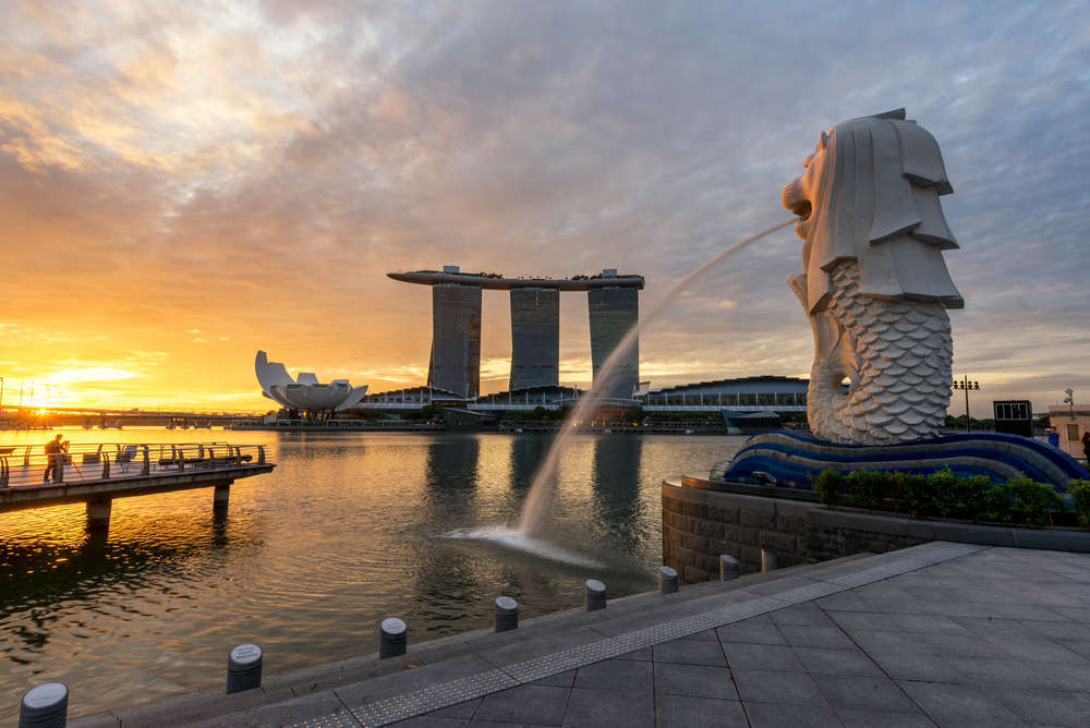 Sunset over Marina Bay, Singapore. martinho/Shutterstock