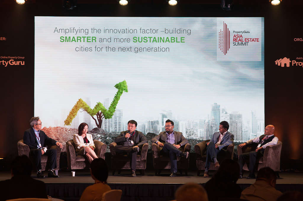 Smart and green tech experts discussing our future cities at the Asia Real Estate Summit